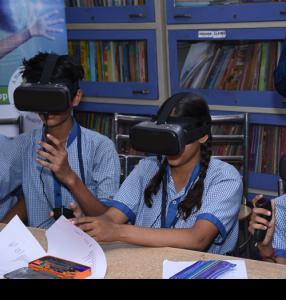 VR akiniai